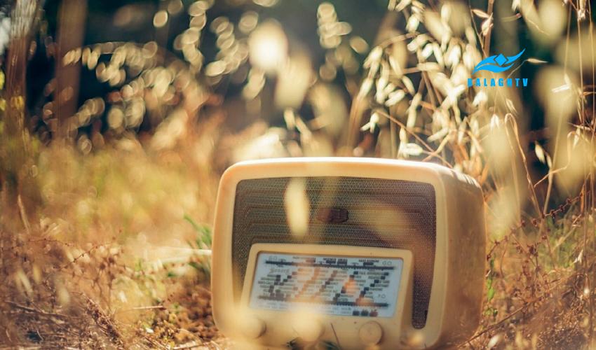 نمایش رادیویی طنز با موضوع تربیت و نوجوان